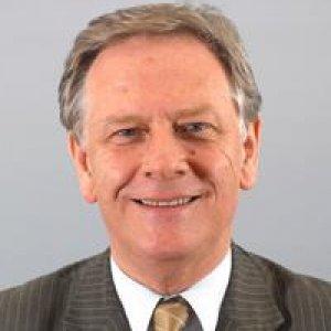 Pierre de Saintignon, 1er Vice-président du Conseil régional Nord-Pas de Calais en charge du développement économique, des nouvelles technologies et de la formation permanente.