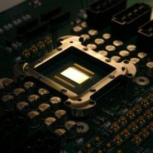 AMD et Intel affutent leurs puces serveurs