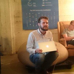 CoreOS apporte à la technologie container les bénéfices d'une architecture distribuée afin de garantir le fonctionnement d'une application même si un noeud tombe, nous a indiqué Alex Polvi, CEO de la start-up.