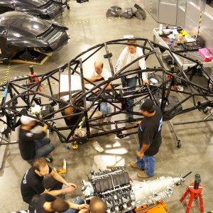 En moins de 50 heures; Local Motors a con�u � partir d'une multitude d'�quipements (imprimante 3D, fraiseuse, perceuse, tour num�rique, etc.) une voiture �lectrique. (Cr�dit D.R.)
