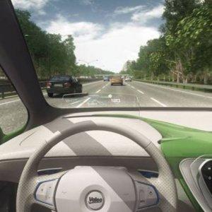 Une voiture autonome Cruise4U circule sur le périphérique durant le Mondial de l'Auto 2016.