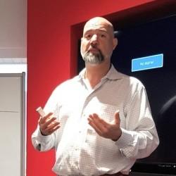 Les ressources de stockage cloud et locales sont g�r�es gr�ce aux metadata par l'orchestrateur Stronglink, nous a indiqu� David Cerf, CEO de Strongbox. (cr�dit : S.L.)