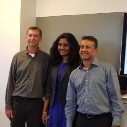 L'équipe de Komprise avec Krishna Subramanian (présidente et COO) au milieu. (Crédit S.L.)