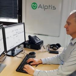 Courtier en assurance, Alptis propose des services aux particuliers et aux salariés des entreprises. (Crédit Alptis)