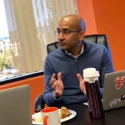 Aaron Kalb, cofondateur et responsable produit, et Satyen Sangani, cofondateur et CEO d'Alation lors de notre rencontre à Redwood City. (Crédit S.L.)