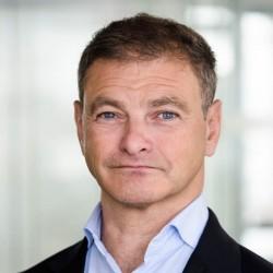 Stéphane Roder est fondateur et dirigeant d'AI Builders, un cabinet de conseil français indépendant spécialisé dans la transformation IA des entreprises.