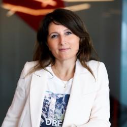 Karine Picard, VP Business Development Applications EMEA chez Oracle, explique que son application de planification financière entièrement récrite pour le cloud. (Crédit D.R.)