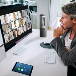 Avec Zoom, il est possible de voir tous les participants sur un même écran (enfin, jusqu'à 49, ce qui est plus que suffisant pour la plupart des réunions).