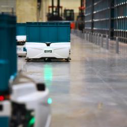 La start-up française Exotec a déjà séduit des géants de la distribution avec ses Skypod qui circulent en trois dimensions pour apporter les marchandises aux opérateurs. (Crédit Camille Devignes/Exotec)