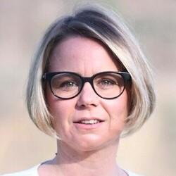 Cécile Cukierman mise sur les jeunes générations pour réduire la fracture numérique, (Crédit Photo: PCF)